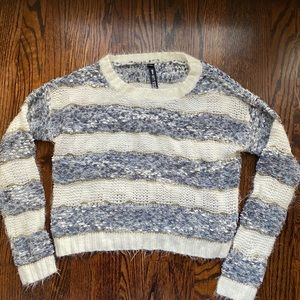DesignLab Lord & Taylor Soft Cropped Sweater XS